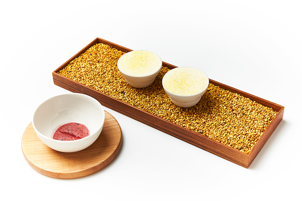15 Geranium - Ice Cream from Beeswax & Pollen with Intense Rhubarb - Photo Credit - Claes Bech-Poulsen 58